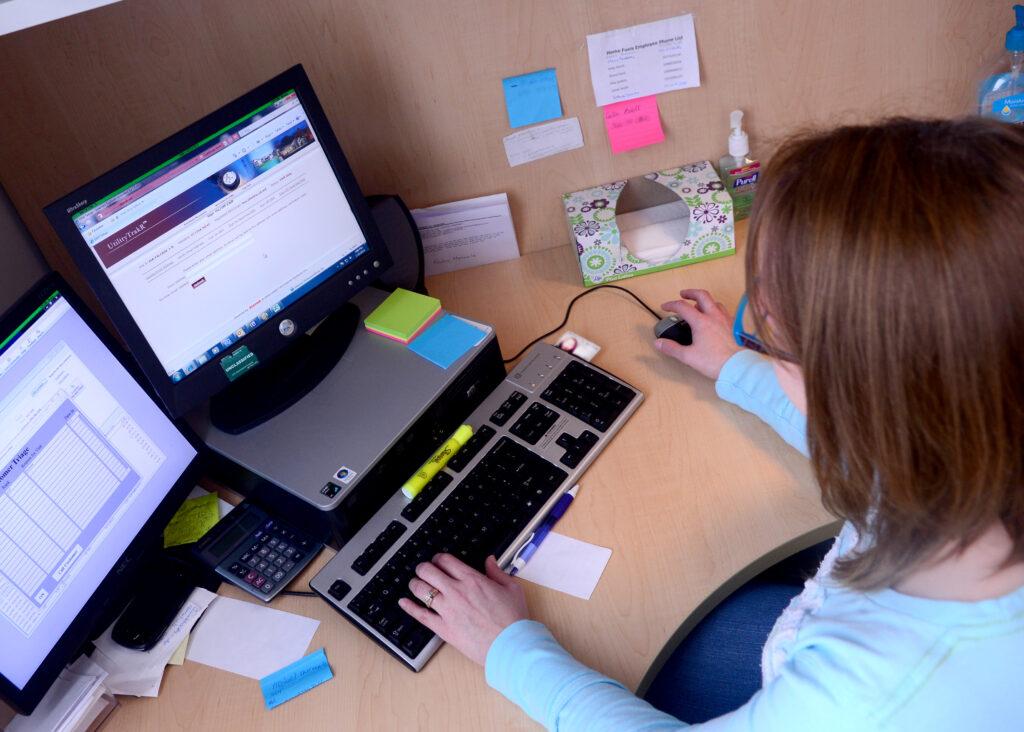 Med e-faktura klarar du kraven från allt fler kunder och får vara med på upphandlingar